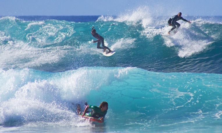 Surfing: Hang Ten